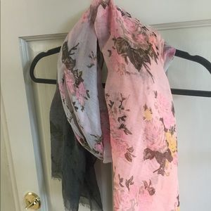 Accessories - Grey and Peach Ombré Rose Scarf